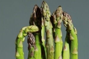 ⦁ Eating Asparagus Benefits the Mind in Powerful Ways
